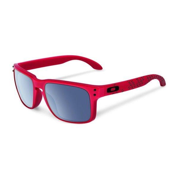 OAKLEY Holbrook Matte Red Grey napszemüveg. Egy igazán nem mindennapi külsejű Oakley napszemüveg, mely a színek kedvelőinek kedvence lehet! A különleges technológiával készült lencse megvédi a szemet a káros sugárzásoktól. OLVASS TOVÁBB!