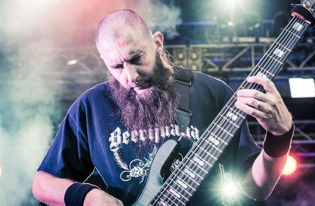 Басист SIX FEET UNDER Джефф Хьюэлл выпустил сольник «Chaos Labyrinth»