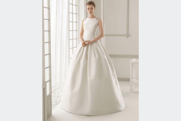 Tipos de cortes de vestido de noiva  Há um aspecto que é absolutamente determinante para que o seu vestido de noiva lhe caia que nem uma luva: o corte.  Leia mais em: http://www.casamentosparasempre.pt/artigos/tipos-de-cortes-de-vestido-de-noiva-0087 ©casamentosparasempre  #cortesdevestidodenoiva #vestidodenoiva #casamentoparasempre