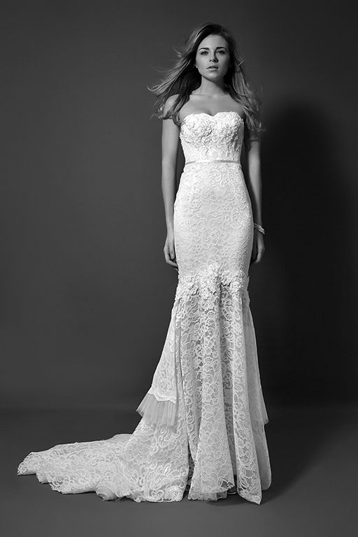 Wedding dress in laces by Anahid Sinsek Couture, Paris.