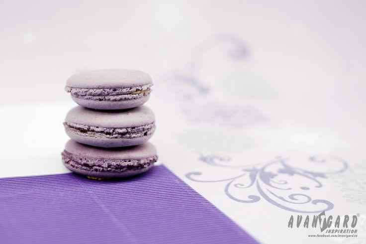 Fialové makronky /// Violet macarons /// violet wedding inspiration