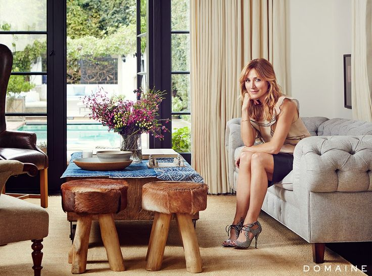 A atriz Sasha Alexander e seu marido, o diretor Edoardo Ponti, vivem nesta casa em estilo espanhol situada em Los Angeles, e decorada com a...