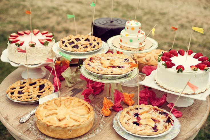 Don't have the money to order an expensive bakery cake? Try a pie table, or make individual mini pies of different varieties. (Mini pie tins don't cost that much at dollar stores and grocery stores.)