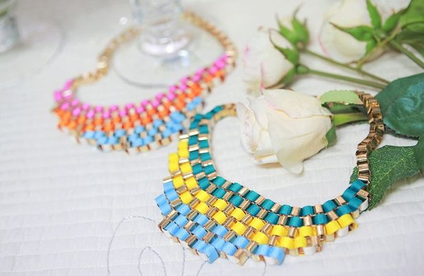 Indian pop necklace  http://www.pinkymint.com/shop/step1.php?number=44413_code=B20110425024620_code=C20120608123548_code=M20120608123610