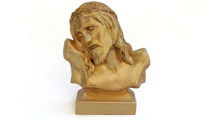 Christ bust of Art.Intaglio  Miniature religious statue, hand-carved in Jelutong's wood. Light walnut polishing with manual light scraping to create chiaroscuro effect on manually carved parts.