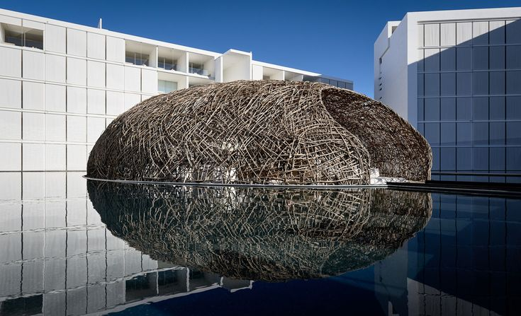 Amazing floating restaurant in Mexico shaped like a bird's nest