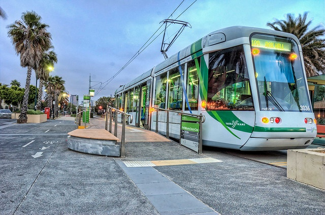 Port Melbourne tram by J-C-M, via Flickr. I guess Melbourne has modernised its tram fleet since I was last there!!!
