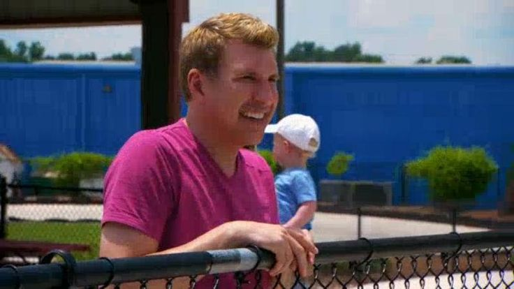 It's Father's Day and the Chrisley kids plan a perfect day for Todd, but their bright idea of going to an amusement park soon backfires as their day of fun turns into an all-out competition.