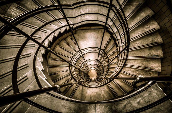 Université de Montréal - Circular Staircase