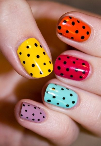 Nails get the ladybug treatment with this nail art look!