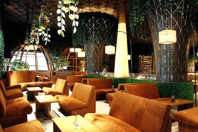 Chill and Relax at Eden Lounge, Planet Hollywood Entertainment Complex