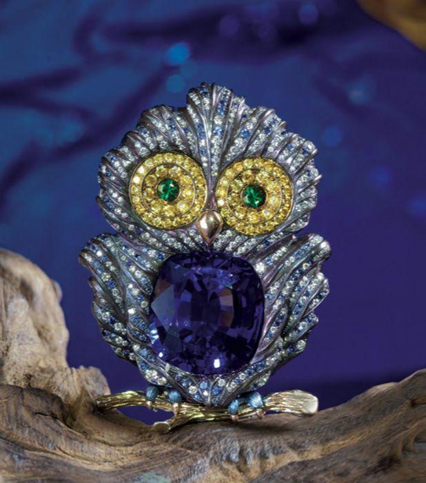 Antonio Seijo Owl brooch with a tanzanite