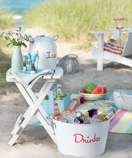 To sit on the beach for the ceremony, people could grab a drink on the way to their seats so they don't overheat :)