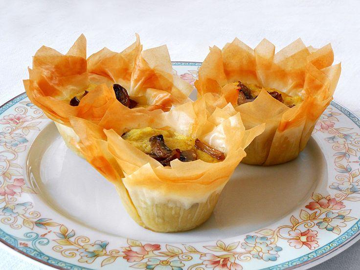 Cestini di Pasta Fillo con Patate, Funghi e Formaggi