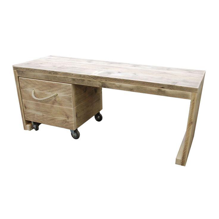 Mooi bijpassend bureau van steigerhout.