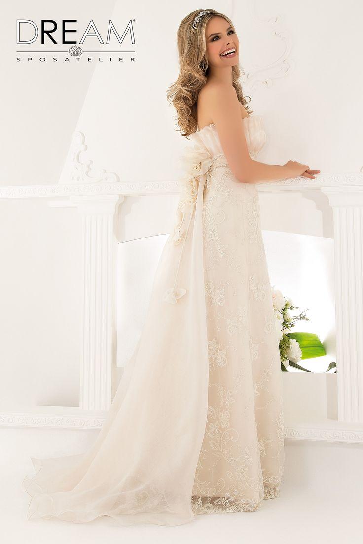 """DREAM SPOSA ATELIER Abito da sposa in pizzo ed organza rosa """"Mod. DELIZIA """" Bridal dress in lace & pink organza """"Mod. DELIZIA"""" #dreamsposa #dreamsposaatelier #abitidasposaroma #abitidasposa #bridaldresses #wedding #bridaldesign #hautecouture #fashion #moda #altamoda #abitidasposaesclusivi #modasposa #nonsolomoda #catwalk #paris #london #milano #newyork #vestitidasposa #vestitidasposaroma"""