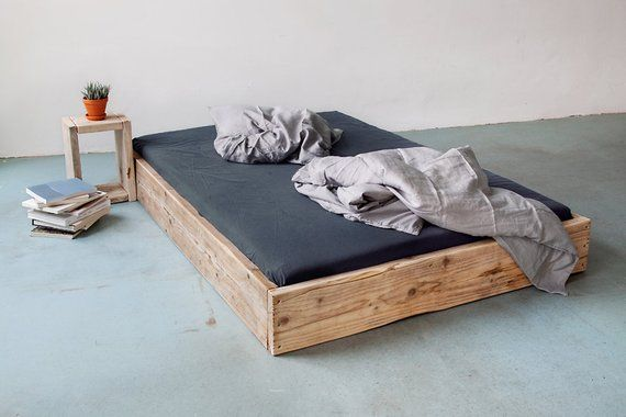 Upcycle Berlin Bed of lumber model: square