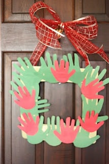 hand print frame: Christmas Wreaths, Hands Prints, Christmas Crafts, Gifts Ideas, Handprint Wreaths, Crafts Projects, My Children, Handprint Christmas, Kid