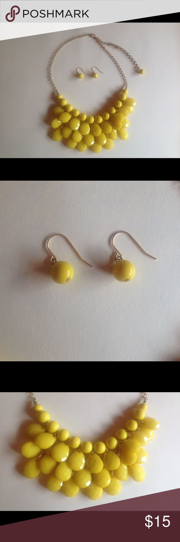 Yellow Teardrop Statement Necklace & Earrings NWOT beautiful teardrop necklace with matching earrings. This will go perfect with a dress or your favorite top. Open to offers. Jewelry Necklaces