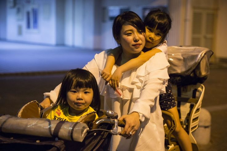 In Japan, single mothers struggle with poverty and with shame    Child indigence has doubled since the country's economic bubble burst a quarter-centuryago.