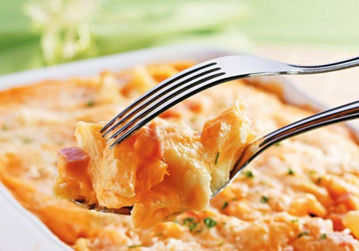 Se você gosta de fusili, ou o macarrão parafuso, vai adorar a receita de macarrão cremoso ao forno. A textura saborosíssima fica por cont