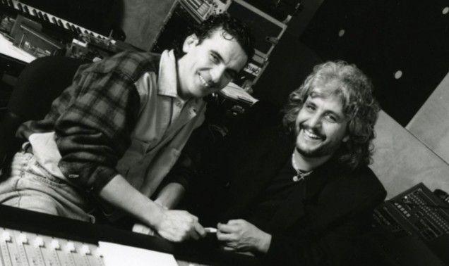 Addio a Pino Daniele, il cantautore che conquistò Massimo Troisi con il brano