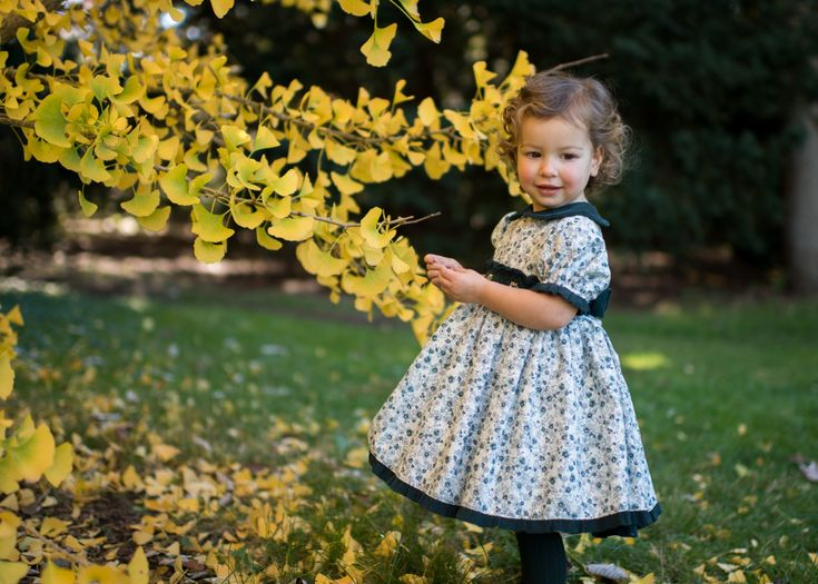 Contributor Jessica Dickinson who blogs at Blake Acres features Selenita a British Children's clothing brand. Traditional kids clothing from Edingburgh.