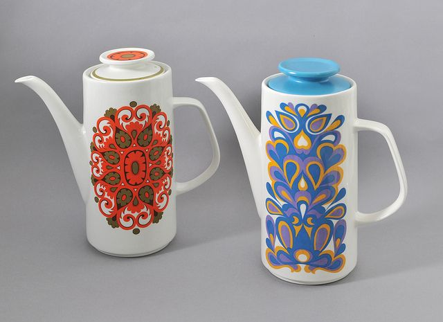 'Madrid' and 'Nova' coffee pots from J Meakin, via Flickr.