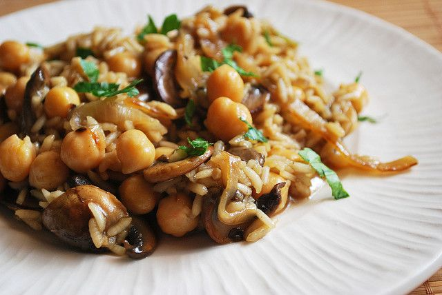Risotto with Caramelized Onions, Mushrooms and Chickpeas | Fake Ginger ...
