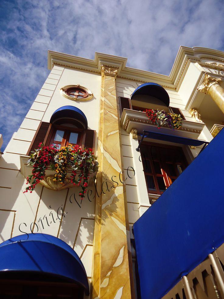 Hojilla de oro y oleos , painter, decoracion , fachada, jacques panaderia , sonia velasco, pintura, texturas, estucos