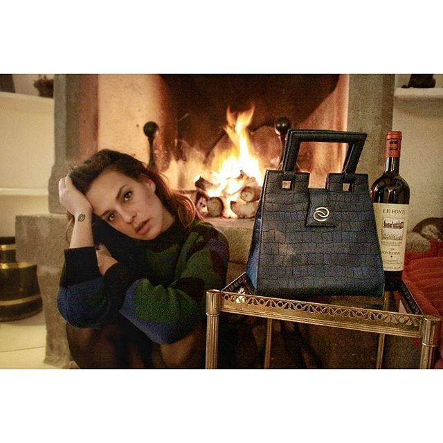 #thefortress  Sometimes all I need is a good wine and a fireplace🔥HAPPY THURSDAY ❤💋  .  .  .  .  .  .  .  .  .  .  .  #lifestyle #ootd #me #lookoftheday #fashion #mybag #fashiongram #style #lookbook #whatiwore #ootdshare #mylook #fashionista #instastyle #instafashion #outfitpost #fashionpost #fashiondiaries #liketkit #instagood #instalike #photooftheday #fireplace #tbt