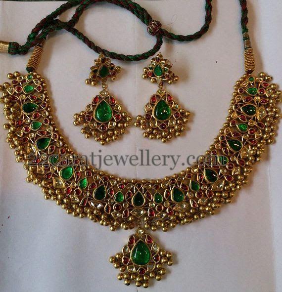 Jewellery Designs: Tussi Patterned Jadau Necklace