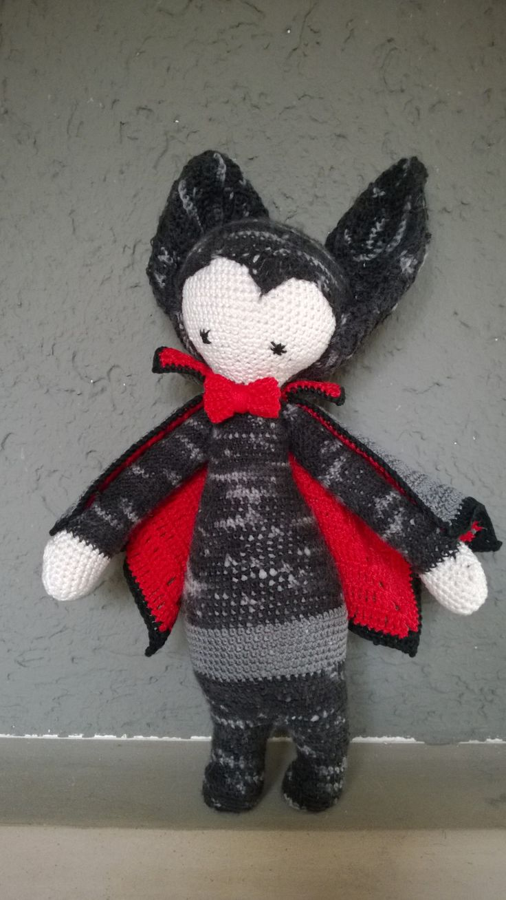 VLAD the vampire bat made by Sarah E. / crochet pattern by ...