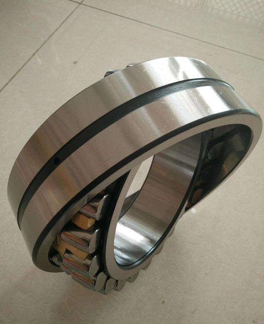 Sell Spherical Roller Bearing 24028MAC3W33, us$169.00/piece, ID: 140.00mm, OD: 210.00mm, Width: 69.00mm, Chamfer: 2, Basic Dynamic Load Rating: 520KN, Basic Static Load Rating: 990KN, Limited Speed (rpm): 1728(grease)/2240(oil), Grass Weight: 8.5kg, Brass Cage