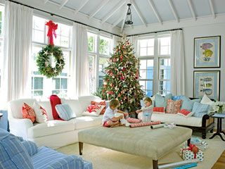 Christmas at the cottage!: Decor Ideas, Living Rooms, Beaches Christmas, Holidays Decor, Coastal Living, Beaches Houses, Families Rooms, Christmas Trees, Coastal Christmas