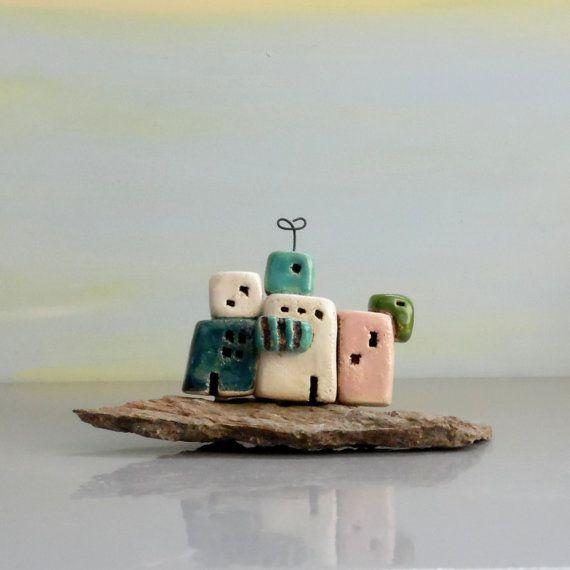 Miniatura in ceramica case su Quarts case di pietra / di ednapio