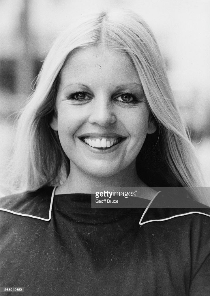 Sally Thomsett - (04/03/1950)