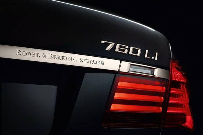 BMW 760Li Sterling ROBBE & BERKING, en el que rinden un homenaje a la plata y a sus técnicas de tratamiento.   Más info: http://www.muchocoche.net/foro-coches/general-bmw/621-bmw-760li-sterling-robbe-berking,-cuando-la-fibra-de-carbono-no-es-lo-tuyo#639