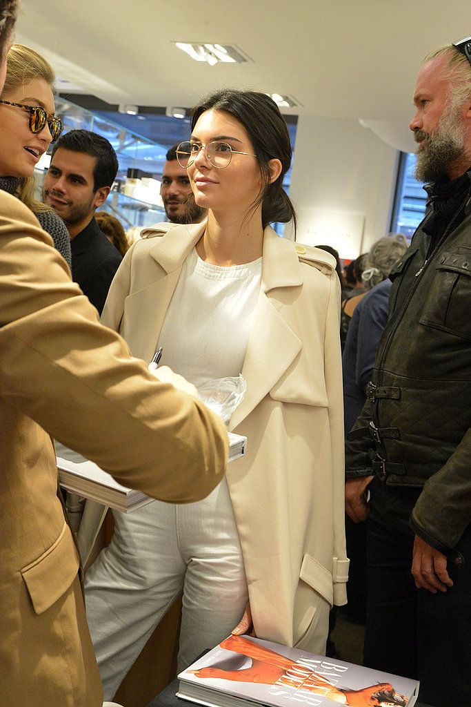 The Genius Styling Trick You'll Want to Steal From Kendall Jenner: Fashion Month may officially be over, but there's one aspect we're not done talking about: Kendall Jenner's street style, especially in Paris.
