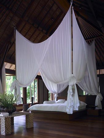 elorablue:  Bedroom Retreat (via midnightpoem)  Source: pinterest.com