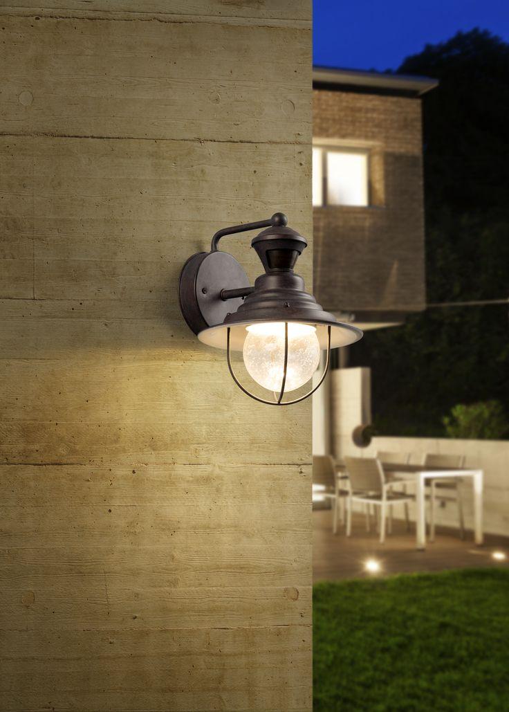 Una lámpara de proximidad no tiene que ser fea. Mira este increíble diseño estilo industrial que mantendrá seguro tu hogar.