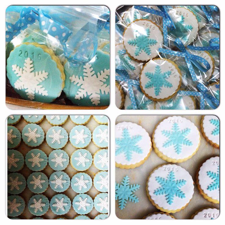 #snowflakecookies #kartanesikurabiye 2016'ya hoşgeldin kurabiyeleri.