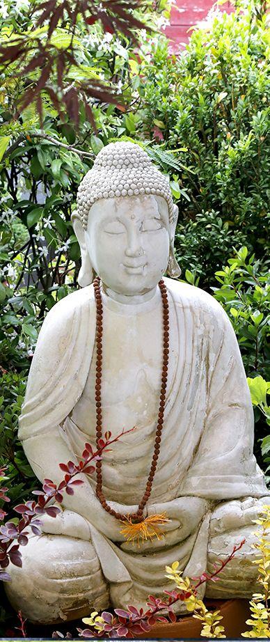 """Thoughts are much stronger than a chorus of cicadas"". #Haiku #OrientalScent #zen"