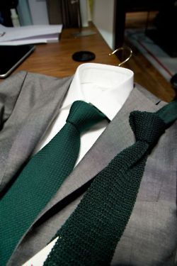 Green tie and light grey suit...Maybe a skinny tie though