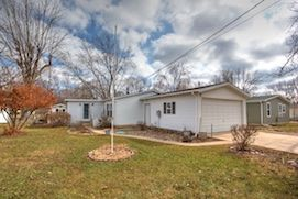 2616Bayberry, Brooklyn, MI49230 - Canal Frontage on Vineyard Lake!