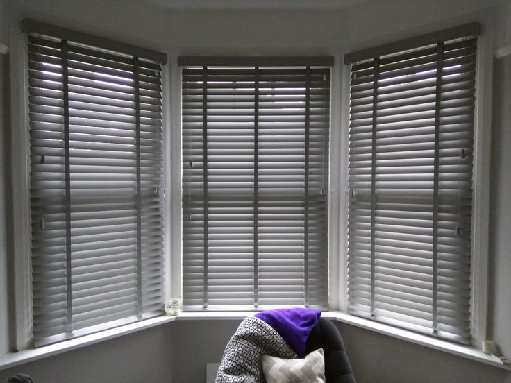 Estate grey wood venetian blinds | Bay window blinds | Brixton | Made to measure | Bedroom blinds | Living room blinds | Wood slat blinds
