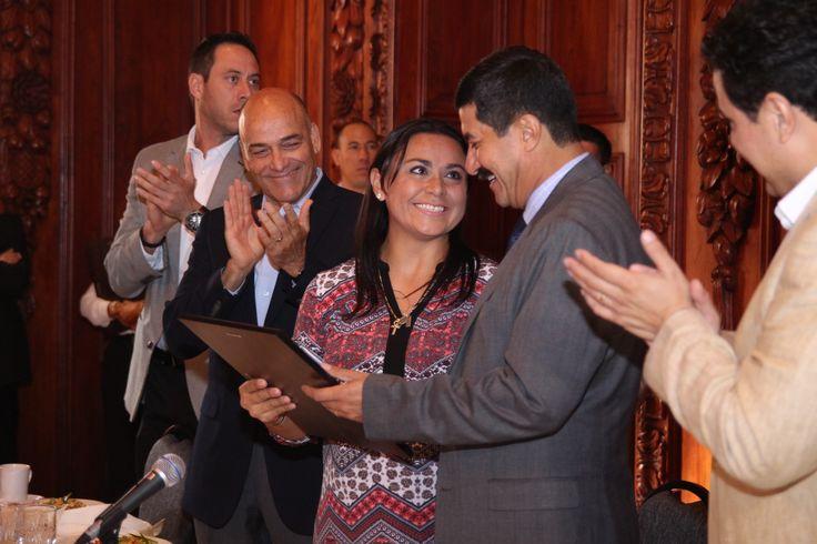 Reconoce Estado a Dámaris Aguirre y 34 participantes de la Universiada