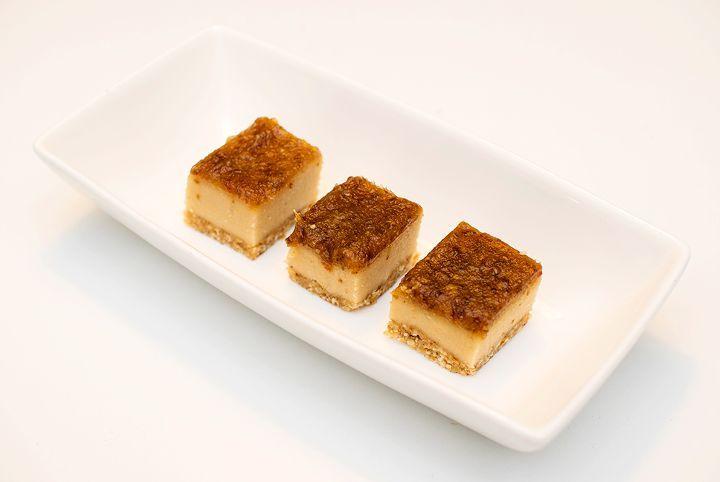 vegansk rå vaniljekake med salt karamell oppskrift