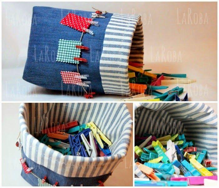Cesta confeccionada con una pernera de un viejo tejano. Decorada con una cuerda con ropa tendida y mini pinzas de colores. Se puede usar para guardar las pinzas de tender.
