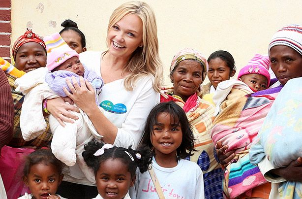 Spice Girl Emma Bunton working with Pampers-UNICEF (1 pack + 1 vaccine) interview: http://www.goodtoknow.co.uk/family/541517/emma-bunton-interview?utm_campaign=FAMILY-emmabuntoninterview-011014-1820&utm_source=twitter&utm_medium=social&utm_term=main
